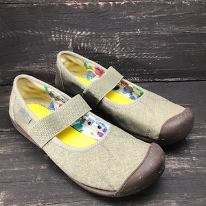 Keen Sienna Canvas Mary Janes Size 9.5